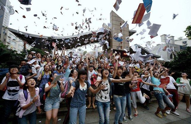 嵩阳煤机祝中国940万高考考生旗开得胜!