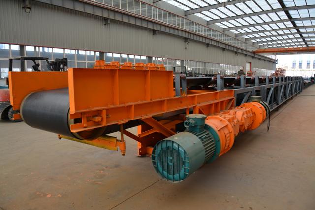 可伸缩皮带输送机 煤矿运输生产厂家丨嵩阳煤机