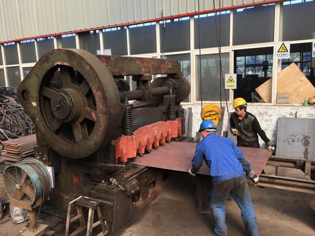 嵩阳煤机:刮板机车间加班加点赶生产,皮带机产线如火如茶抗寒冬