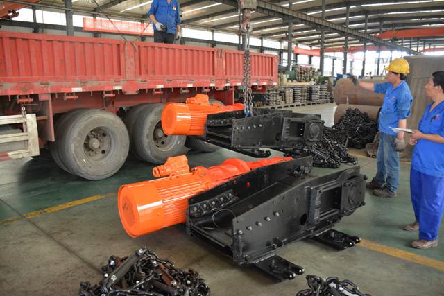 出口泰国SGB620/40T刮板机完成试机装车发往上海中转