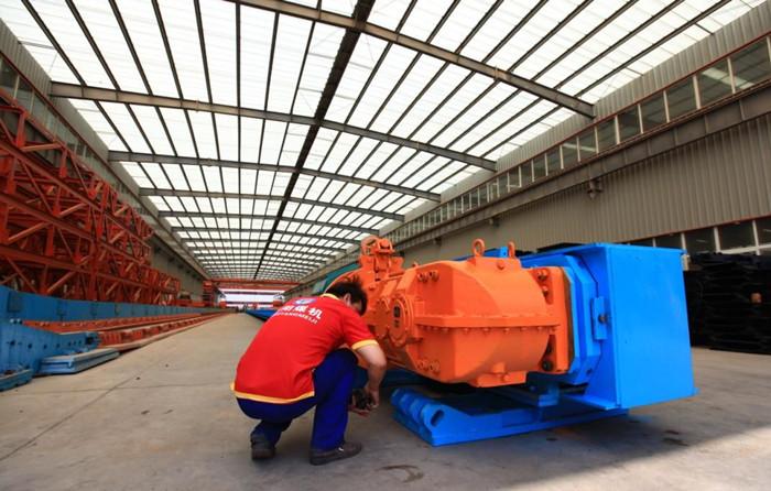 为煤矿提高生产效率,嵩阳煤机刮板机及时发货