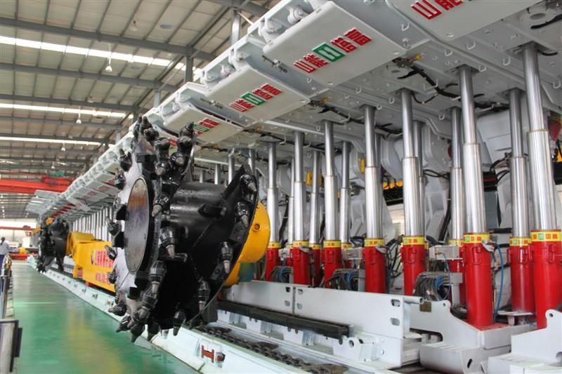 """煤机设备丨煤矿机械丨煤矿采掘运输设备丨什么是""""三机一架""""?"""